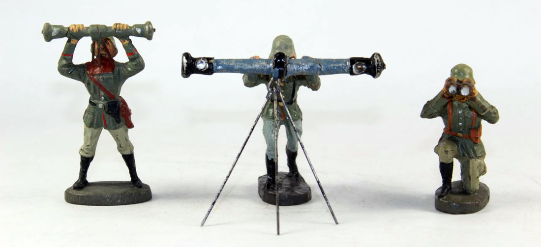 Military Figures - We stock heirloom toy soldiers and quality